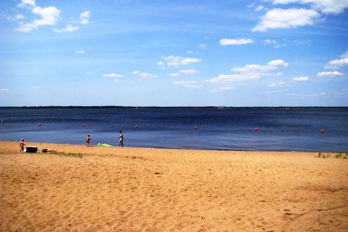 Lake Petenwell beach