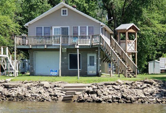 Southwest Wisconsin Mississippi River Home!